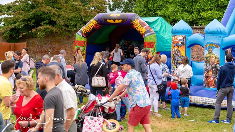 Superheroes Picnic - Bouncy castle